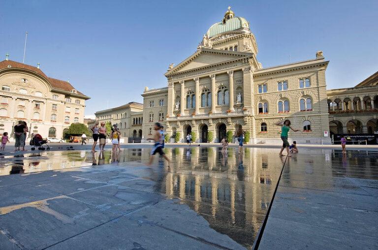 Für eine Steuerung der Einbürgerungspolitik – gegen die Interessen der Schweiz?